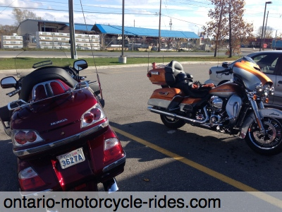 Harley meets Goldwing